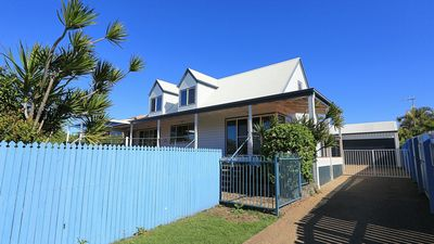 Photo for 240 WOONGARRA SCENIC DRIVE HOLIDAY HOUSE