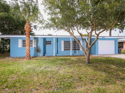 Photo for BEST DEAL!!  Minutes from Siesta Key Beach!