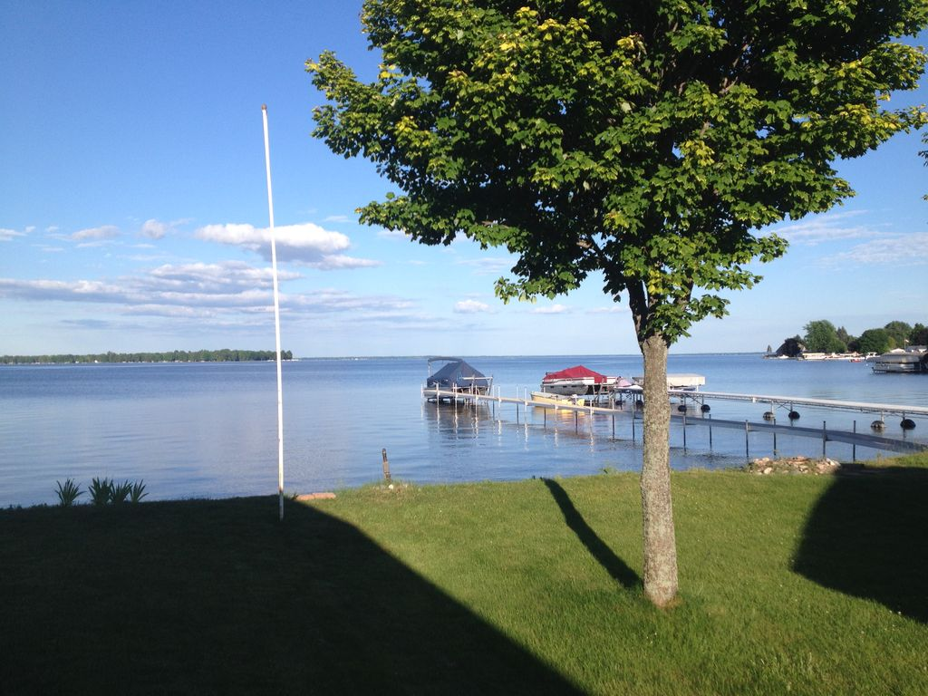 Private Direct Lakefront Home On Houghton Lake Michigan