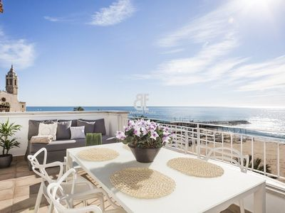 Photo for Be Apartment - Bright luxury penthouse with a spectacular terrace overlooking the sea. 2 bedrooms and 1 bathroom. Located in the beautiful town of Sitges.