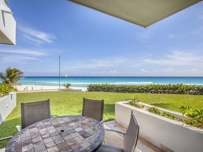 Photo for Beachfront! 3 bedroom Villa in Cancun with amazing views