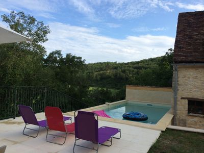 Photo for Ideal holiday cottage in The Dordogne on edge of pretty hamlet. Private pool.