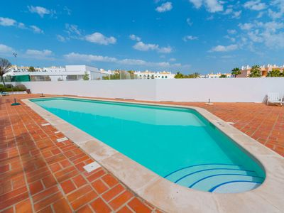Photo for A 15min walk from Cabanas, Pool, WIFI and air conditioning
