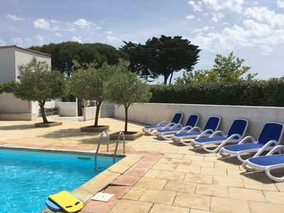 Photo for House in residence with pool Ile de Ré