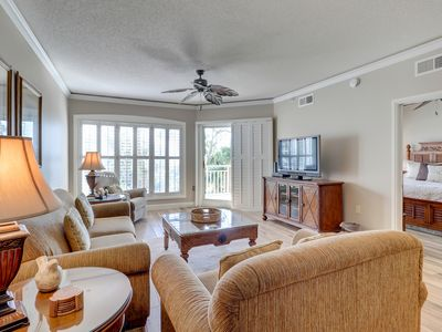 Photo for Oceanfront condo with shared pool and hot tub - plus a jetted bathtub & views!