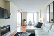 """La Madelaine"" Boutique Apartment Old Port of Montreal"