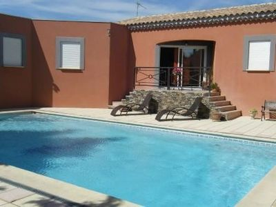 Photo for Villa with pool, near Avignon, for 6 persons, ideal family holiday