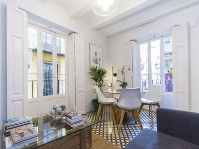 Photo for Amazing apartment with terrace in historic centre - great rates