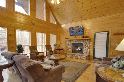 Living Room with Giant TV - Large Screen TV with high speed wifi and fireplace (seasonal)