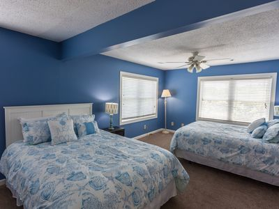 Photo for RENOVATED 4 BDRM - Pet Friendly - Vacation Getaway W/ Resort Amenities!