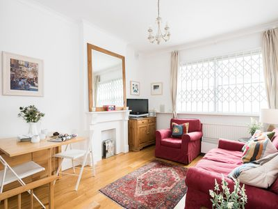 Photo for Bright 1BR Flat close to Queens Tennis Club