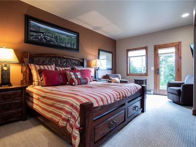 Discounted lift tickets! Stunning Private Home located in the Heart of Steamboat