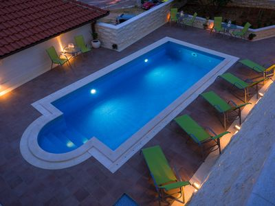 Photo for Villa Kogo Apartment 3 with a swimming pool, city center Hvar