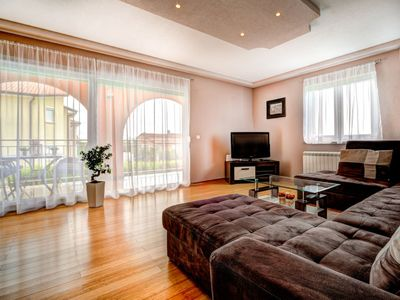 Photo for Apartment Tommy in Umag - 6 persons, 2 bedrooms