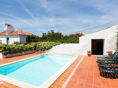 Photo for Wonderful Villa with pool, gardens, near Óbidos.