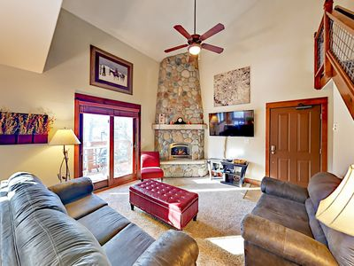Desirable Pines at Ore House Condo w/ Hot Tubs - Fully Walkable