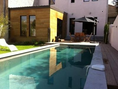 Photo for House with swimming pool in the city center, quality services