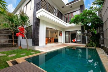 Photo for 3BR Villa Vacation Rental in Kerobokan,