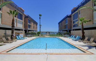 Photo for 1 bed 1 bath, Community Pool, Private Pier! Fabulous View!