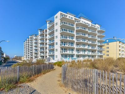 Ocean/Bay Views - New Luxury Meridian Condo - Pool & Fitness (60th St)