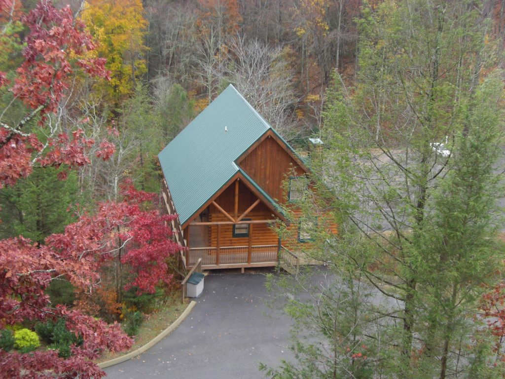 Pigeon Forge Cabin Rental   Cabin Aerial View