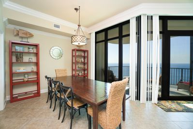 Dining area- great for eating and playing cards