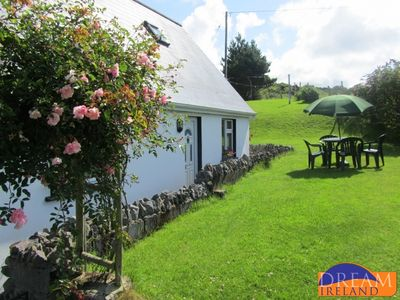 Photo for Bright cosy spacious cottage in Connemara