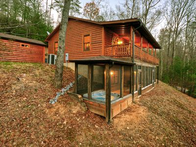 Photo for This 3BR cabin is the PERFECT getaway cabin close to Hiking!