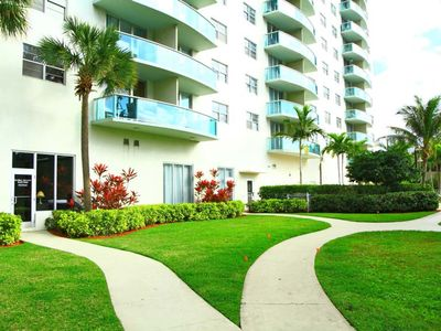Photo for Lovely 1 BR on Sunny Isles - One Bedroom Apartment, Sleeps 4