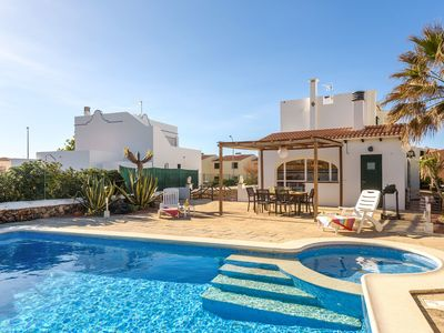 Photo for Maritime Villa Directly by the Sea with Wi-Fi and Pool; Parking available