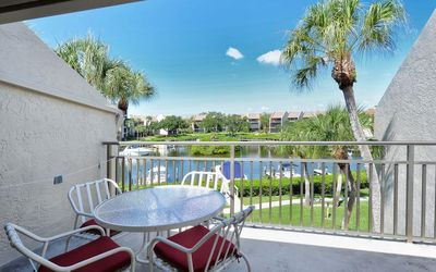 Firethorn 632 - 2 Bedroom Condo with Private Beach with lounge chairs & umbrella provided, 2 Pools, Fitness Center and Tennis Courts.