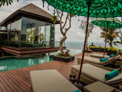 Photo for Villa Aum, 4 bedrooms ocean cliff view Bukit