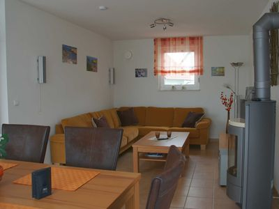 Photo for Holiday home with outdoor hot tub - Ferienhaus Falkenrast am Fleesensee