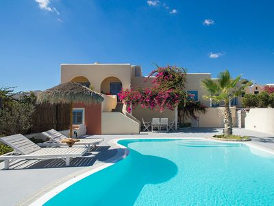 Photo for Wonderful, sunny house for 6, private pool, next to the beach