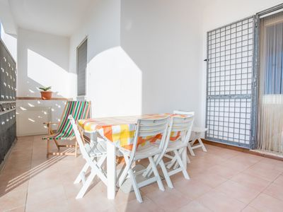 Photo for Cottage between the beaches of Punta Prosciutto and Torre Castiglione