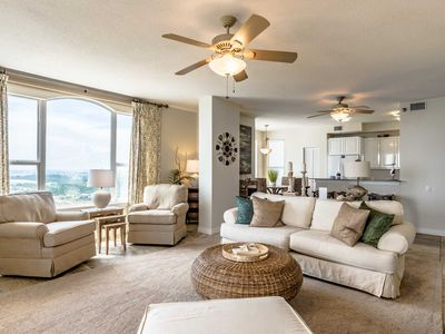 Photo for Beachfront Penthouse with Stunning Views and Extra Large Balcony. Onsite Pools and Fitness Cetner