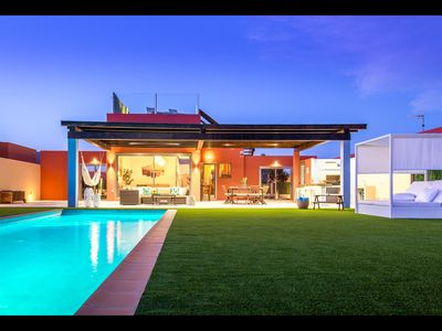 Photo for Unique Villa, Spacious, Oceanfront, Heated Pool, Bali Bed, Own Playground!