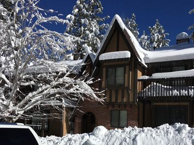 FABULOUS LOCATION! Steps away from Slopes, Shuttle, & Dining!  FREE WiFi-CableT