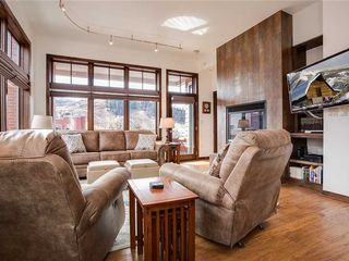 H307B Downtown Platinum Condo mit