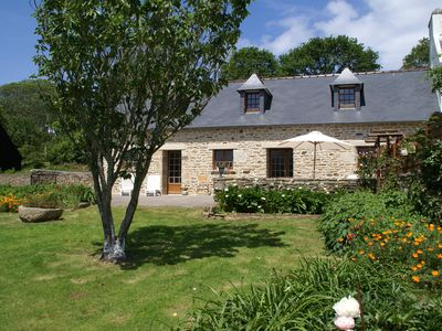 Photo for Rural holiday home near beach, culture and recreation in the tip of Brittany
