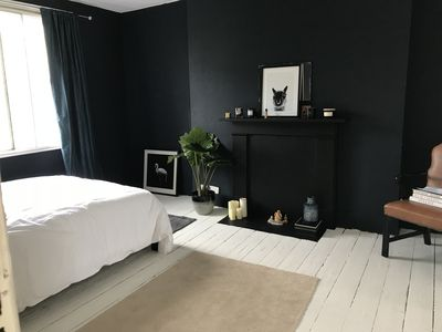 Photo for Bright Double Room Penthouse with Free Wifi