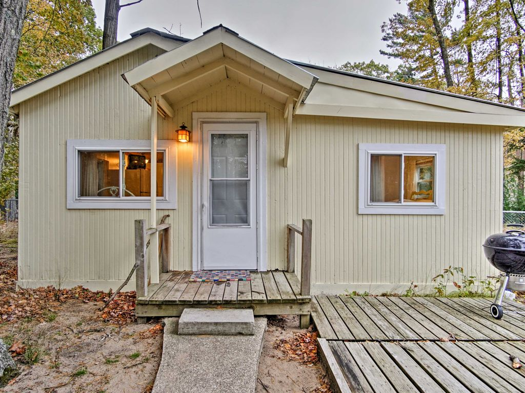 New 39 gold coast 39 cottage on lake michigan 2 br vacation for Muskegon cabin rentals