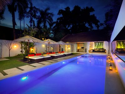 Photo for Luxury, Affordable, Trendy villa, infinity pool near Beach Seminyak