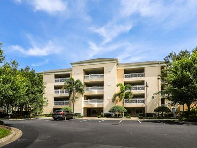 Photo for Spacious, ground floor condo w/ shared pools, hot tub, tennis, & fitness center