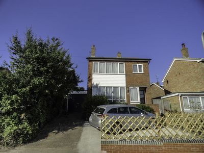 Photo for Vacation home Trappers End  in Whitstable, South - East - 6 persons, 3 bedrooms