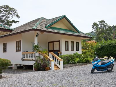 Photo for 65 sqm holiday homes - quiet resort in the coconut grove at the foot of the mountains / Lamai