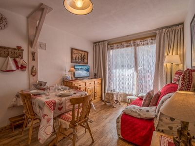 Photo for Cozy apartment at the foot of the pistes