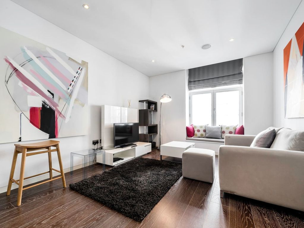 Artistic One Bedroom Apartment Near Covent Garden Central London