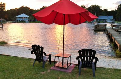 NEW LISTING! Lake Marion Lakefront!  Ramp, Sleeps 13, Wi-Fi, Cable