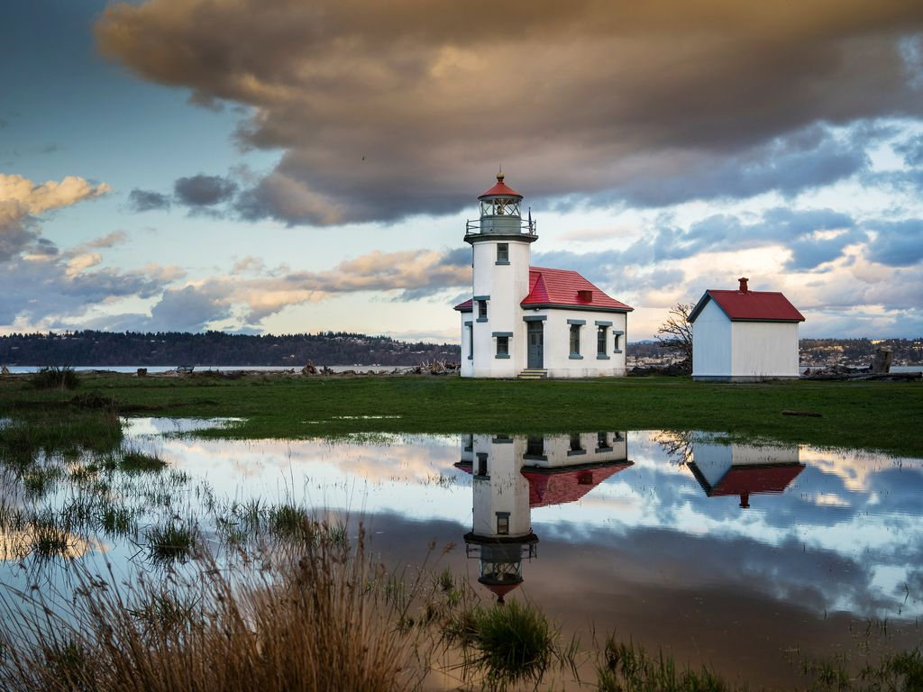 Keepers Quarters A at Point Robinson Lighthouse - Vashon Island